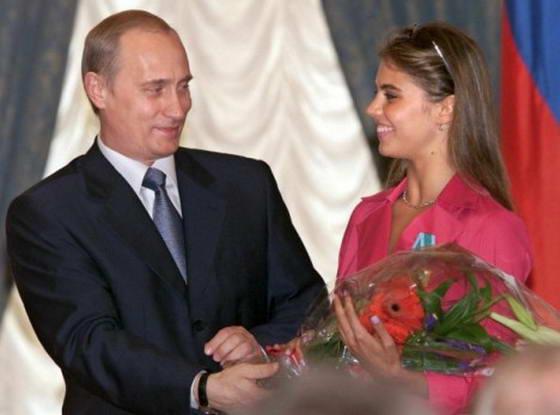 Кому теперь будет дарить цветы Путин?